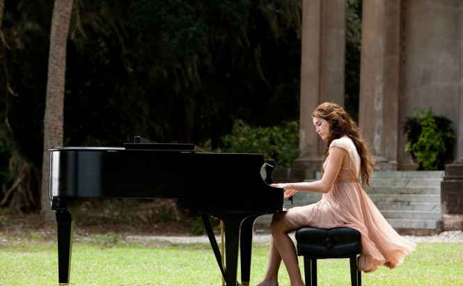 Girl Playing Pianist 665x411 The Dos and Don'ts of Playing a Piano